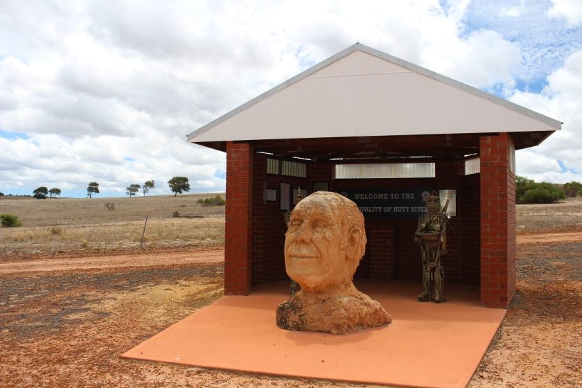 prince-leonard-sculpture